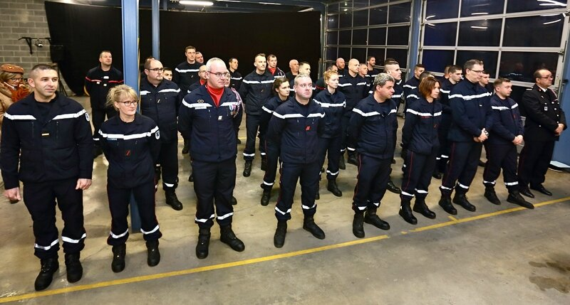 D chelons en promotions la carri re ascendante du capitaine christophe duquesne le blog de - Grille indiciaire adjudant sapeur pompier professionnel ...