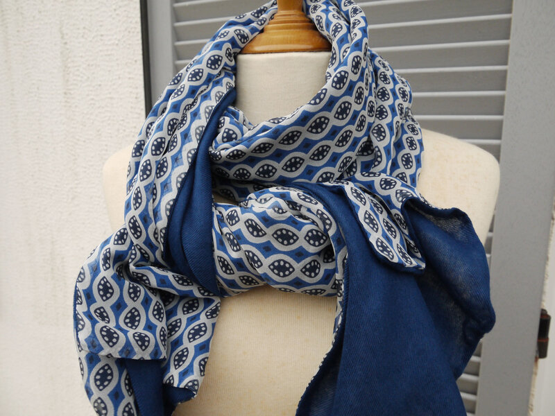 Lanka- Long foulard 2 faces mousseline de soie bleue - 35 euros