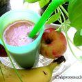 Goûter fraîcheur : smoothies et brochettes de fruits