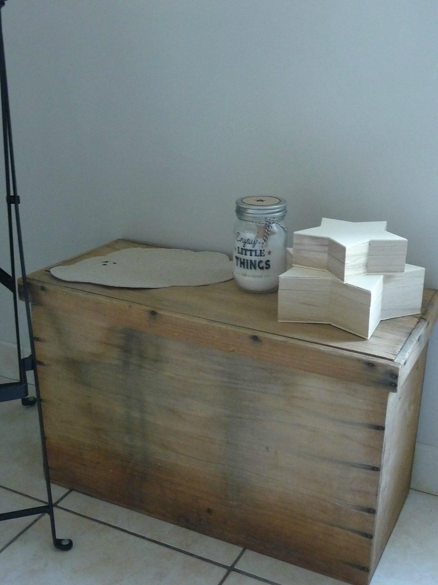 maison du monde coffre finest coffre zinc couleur argent. Black Bedroom Furniture Sets. Home Design Ideas