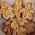 Les petits bonhommes en pain d'épices pour noël!