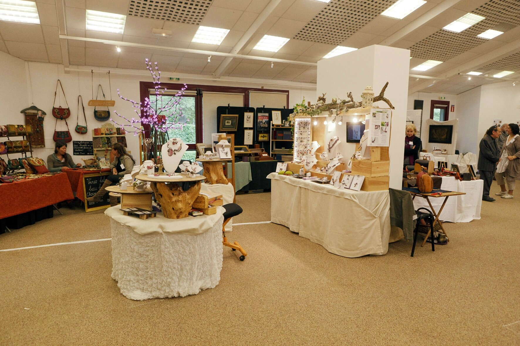 Salon artisans d 39 art ch teau monbazillac photo de for Salon artisanal
