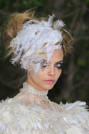 514643_photo-59-details-du-defile-chanel-haute-couture-printemps-ete-2013