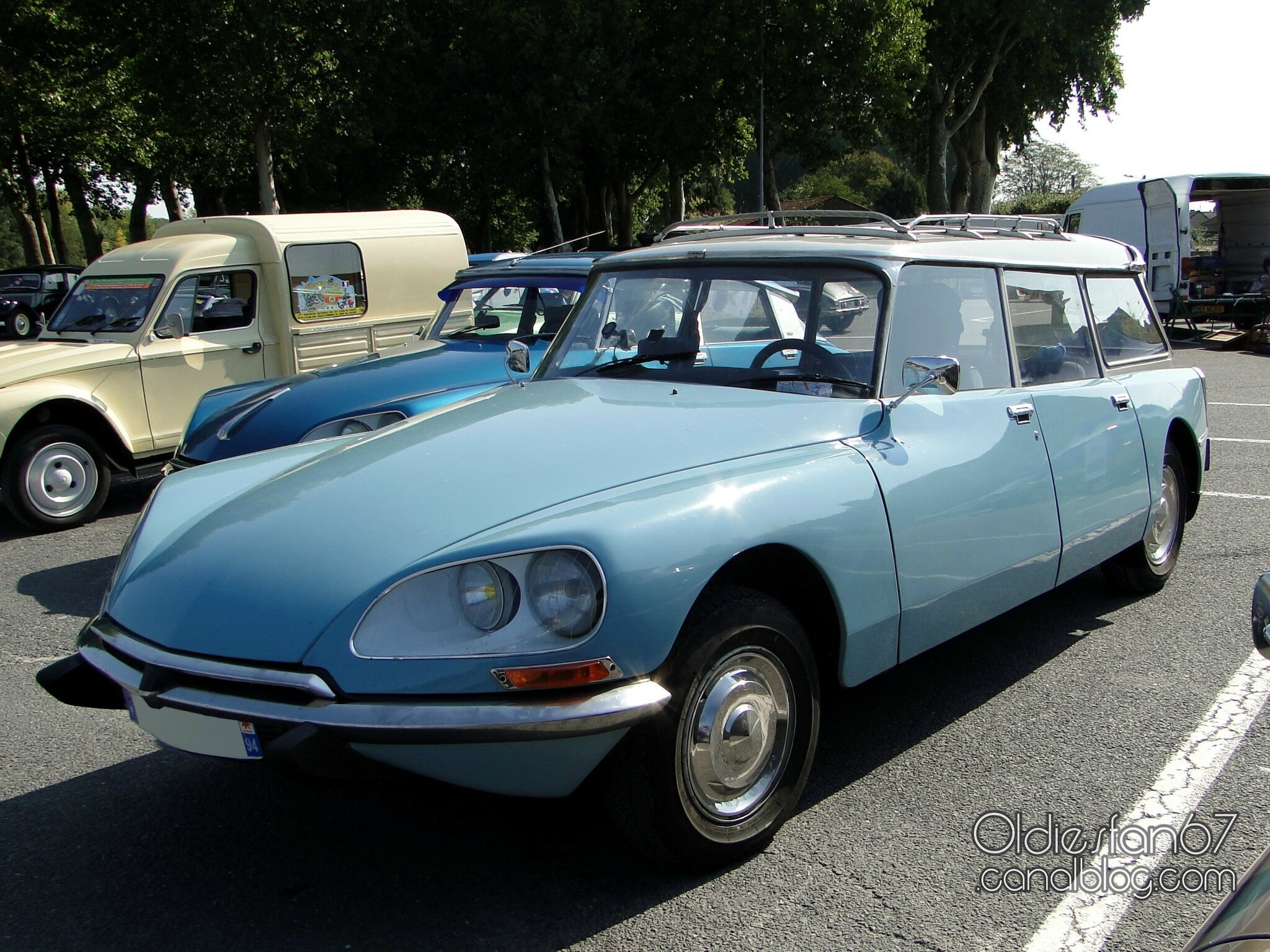 citroen ds et id breaks tous les messages sur citroen ds et id breaks oldiesfan67 mon blog. Black Bedroom Furniture Sets. Home Design Ideas