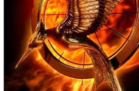 PHOTO-Le-premier-poster-anime-d-Hunger-Games-L-Embrasement_portrait_w532