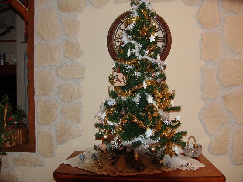 Mon beau sapin attends le pere noel comme chez mamie - Pere noel sapin ...