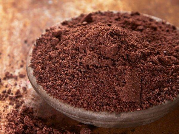 paques-des-gourmandises-en-chocolat-cru