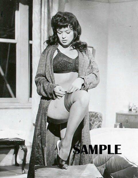 jayne-1966-film-single_room_furnished-on_set-2-1
