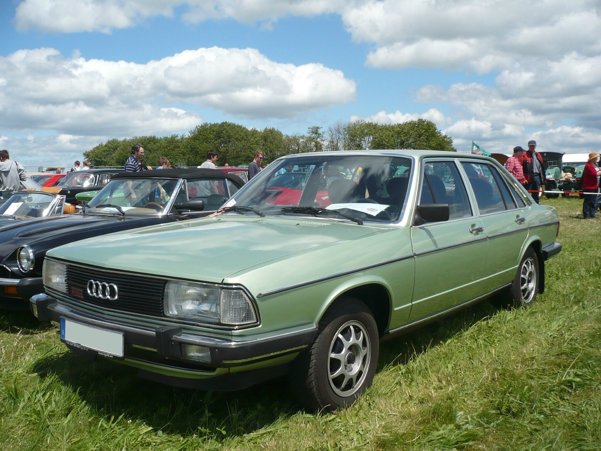AUDI 100 CD 5E berline 4 portes 1979 Eutingen (1)