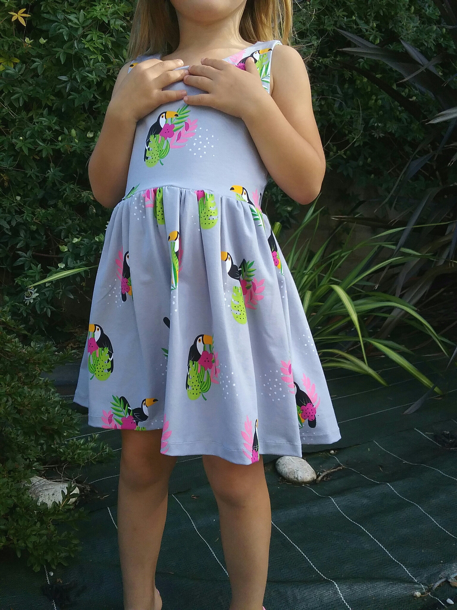 Dress toucan