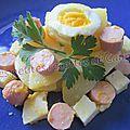 Salade de pommes de terre, saucisses et tome des bauges