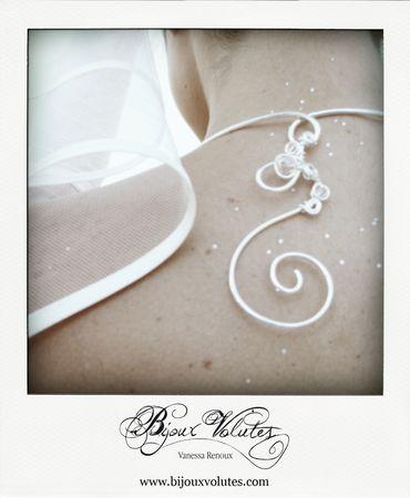 Décoration de dos pour collier mariage, pendentif de dos de GeraldineB