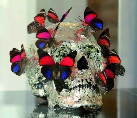 Philippe Pasqua (né en 1965), Vanité aux papillons rouges. Photo BESCH CANNES AUCTION