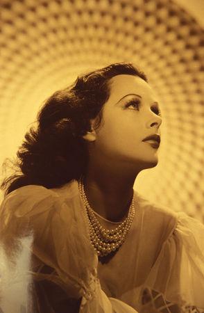 Calling_Hedy_Lamarr_4