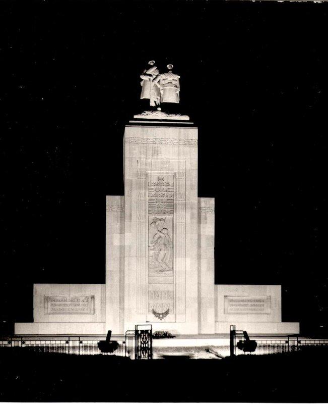 FM aa- 048- Monument aux morts