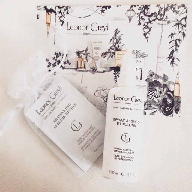 Retours sur le shampoing Sublimes Mèches et le spray Algues et Fleurs de Leonor Greyl pour un coiffage wavy