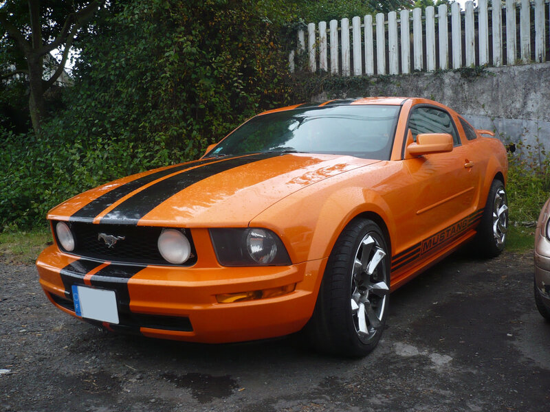 FORD Mustang V coupé Le Tampon (1)