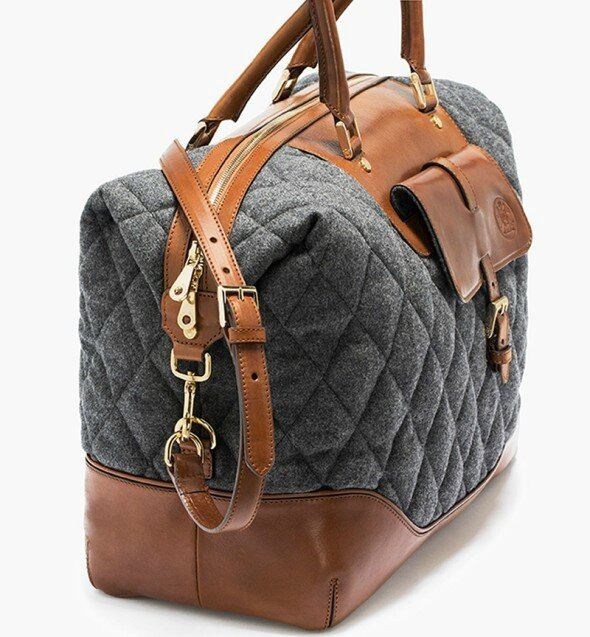 Massimo-Dutti-quilted-traveller-bag-e1415600962729