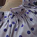 Robe ALBANE en coton parme grisé à pois violets (6)
