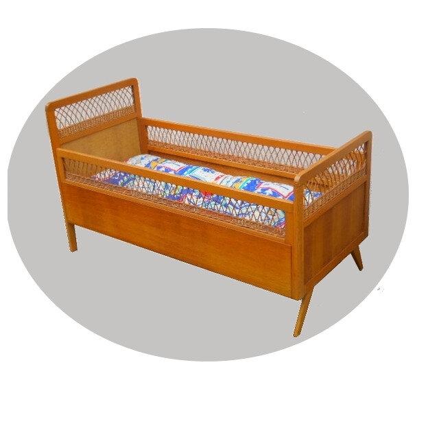 lit d'enfant vintage bois rotin 1960