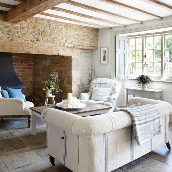 1-Inglenook-fireplace-in-living-room--Country-Homes-and-Interiors--Housetohome_co_uk