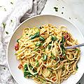 Spaghettis sauce crémeuse au houmous,épinards et citron ( vegan)