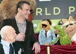 191265_cast_members_mickey_rooney_l_and_jason_segel_2nd_l_talk_to_the_muppets