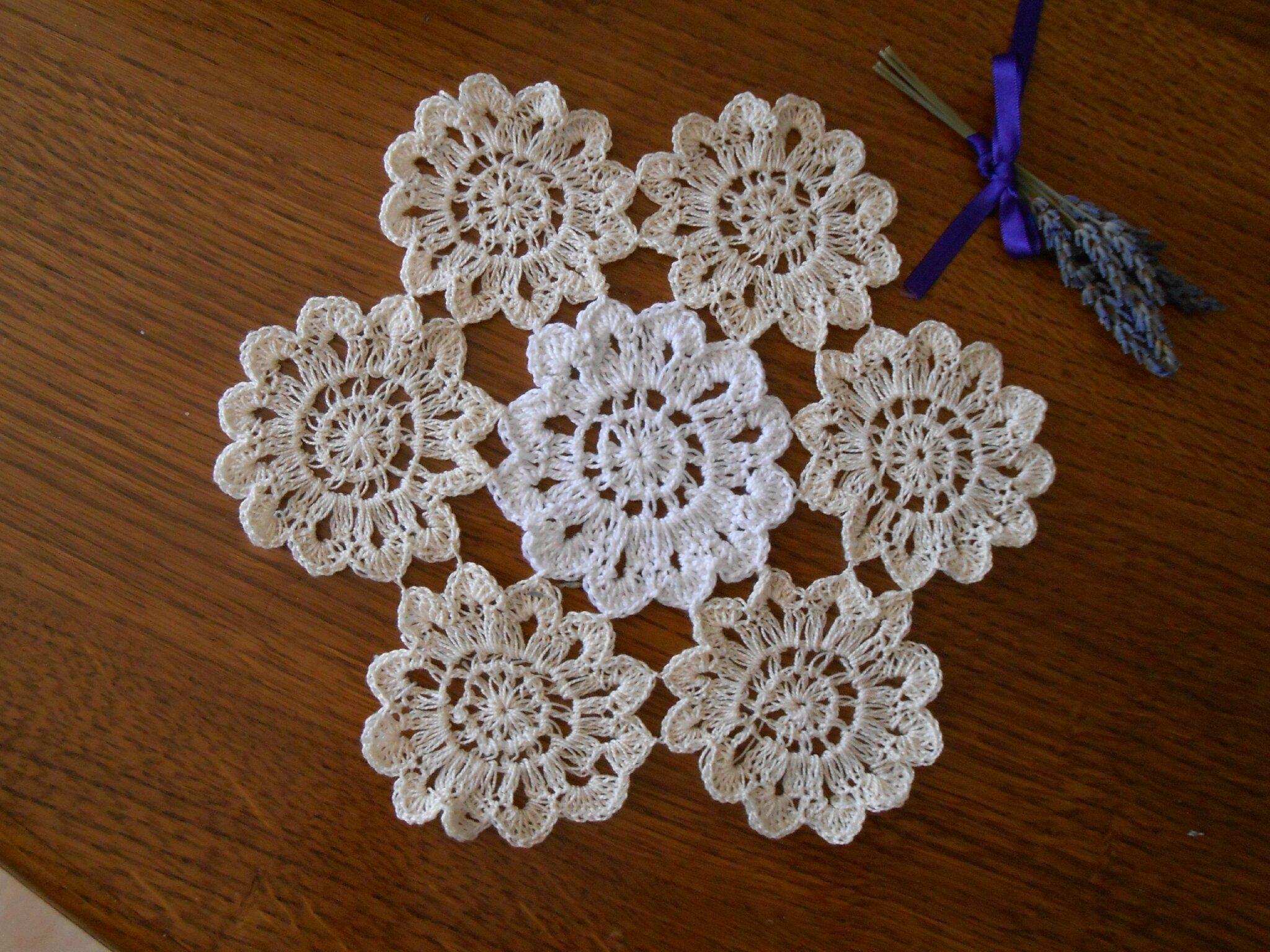 fleurs crochet napperon