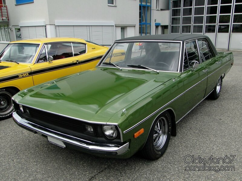 dodge-dart-custom-sedan-1972-01