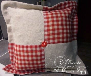 coussin vichy rouge blanc