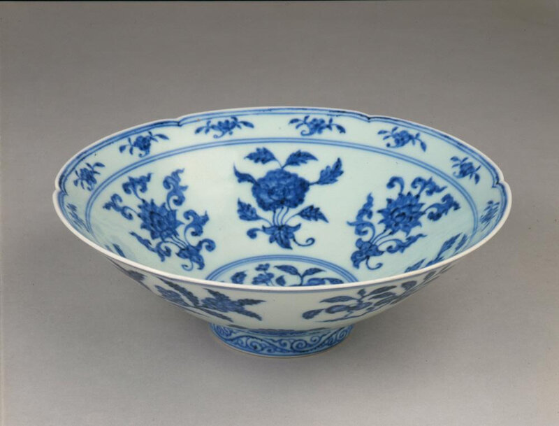 Bowl with six-foliate rim, Ming dynasty (1368-1644), Reign of the Xuande emperor (1426-1435)1