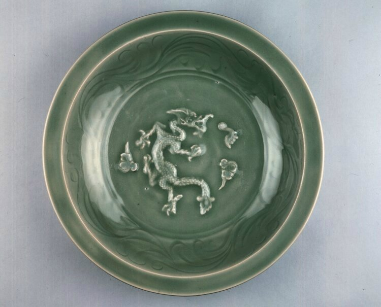 Serving dish with dragon and clouds, Yuan dynasty, about 1280–1320