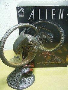 Alien_Queen_Chestburster_limited_4500ex0