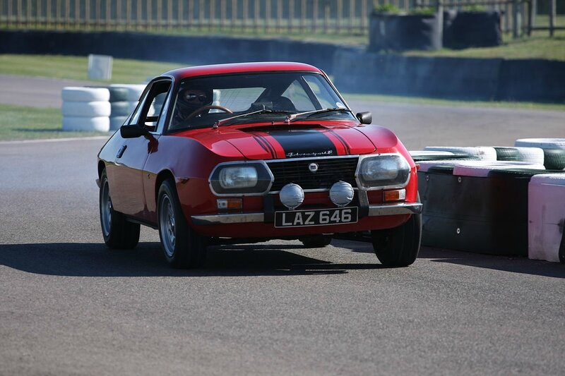Lancia_Motor_Club_Goodwood_Track_Day_2010_IMG_9521_-_Flickr_-_tonylanciabeta