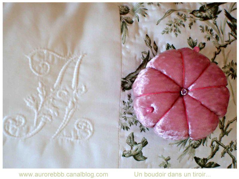Ma préférée, satin rose et bouton de rose...