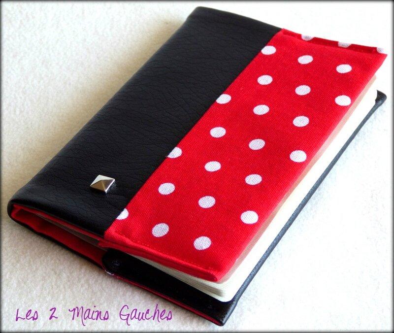 protège-passeport unisexe en simili cuir noir et coton rouge à pois