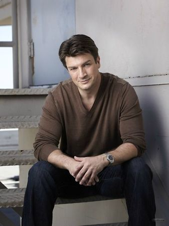 Nathan-Fillion-castle-15890218-500-667