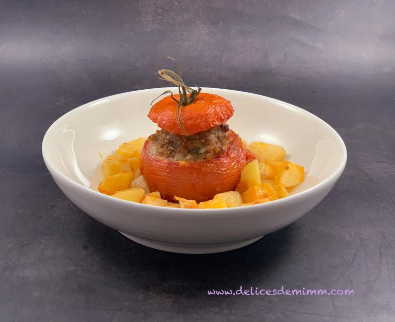 Tomates farcies sur lit de pommes de terre 3