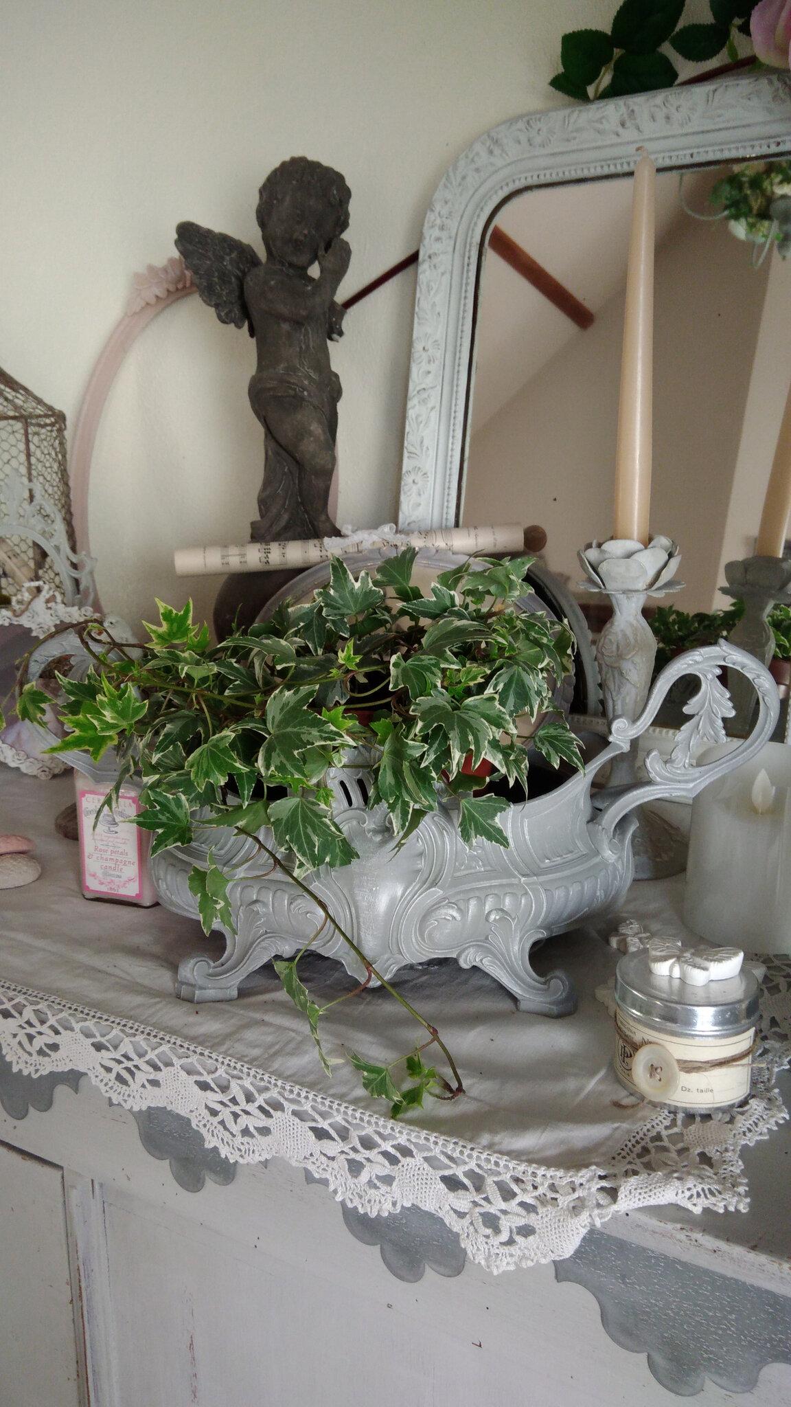 Ancienne jardinière patinée gris