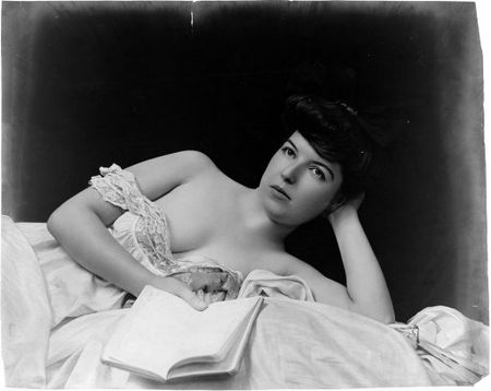 model_with_book__fritz_w_guerin_1900_1903_