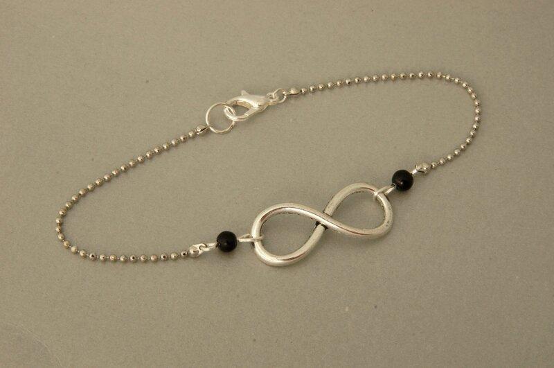 bracelet infini perles noires
