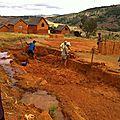 Amparafara (mai 2014) - Les villageois ont un projet de bassin pour la pisciculture