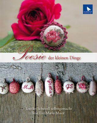 livre miniature point de croix bijoux