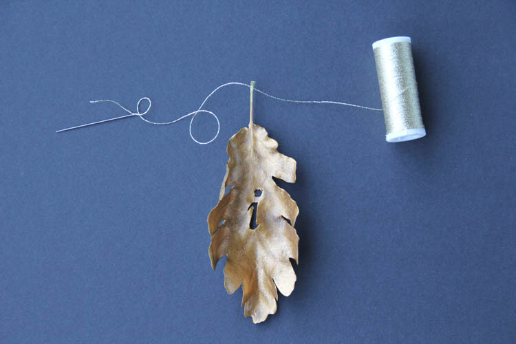 DIY_fall_in_love_leaves_garland_step_9