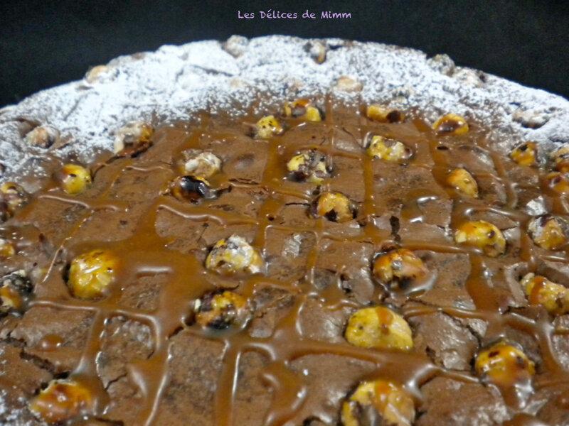 Fondant au chocolat, noisettes et caramel au beurre salé