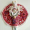 poupée marimerveille N°9 - napperon brodé à la main création marimerveille