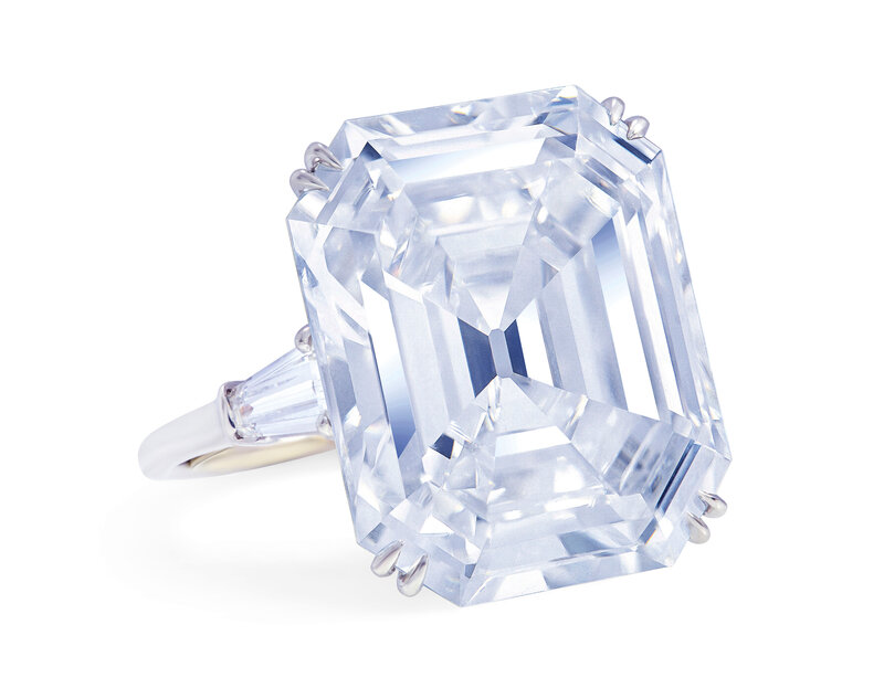 2019_GNV_17436_0195_001(impressive_diamond_ring_mouawad)