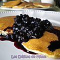 Mix pour pancakes, sauce aux myrtilles de nigella