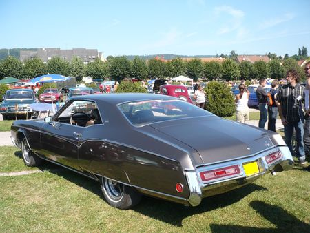 BUICK_Riviera_coup__sport_1970_Saverne__2_