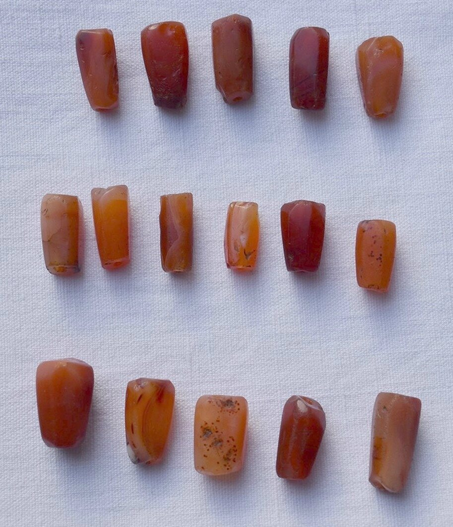 16 PERLES ANTIQUES CORNALINE AGATE ANTIQUE BEADS EGYPTIAN CARNEOL
